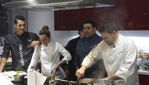 Los 4 #mosquechefs de Top Chef en un momento del showcooking en Sueños de Cocina