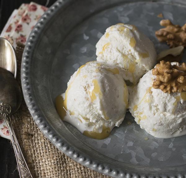 """Yogur helado con nueces y miel del blog """"The sweetest taste"""""""
