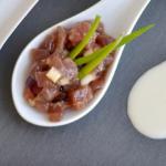 El mejor Tartar de bonito del norte con cerezas y ajoblanco. Receta