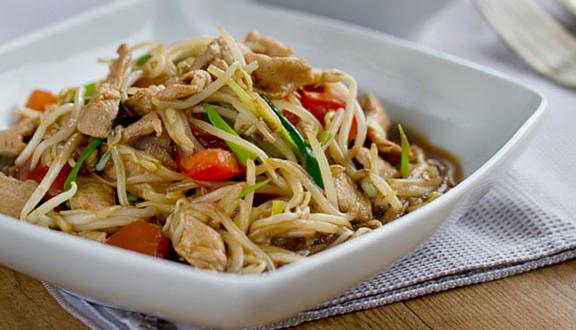 Receta de salteado de brotes de soja con cerdo al estilo oriental