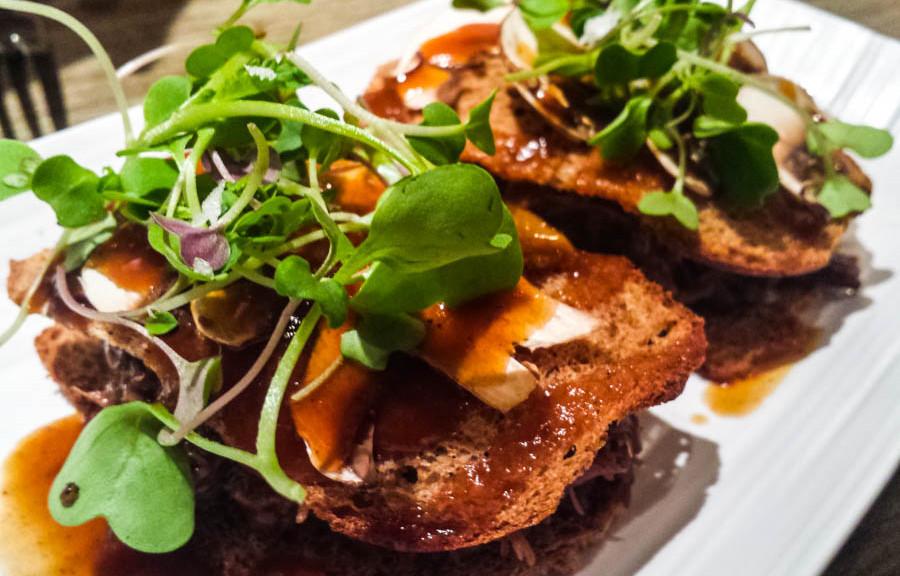 Sandwich de carrillera en la Tasquería de Javi Estévez