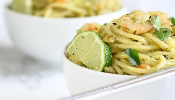 Receta de espaguetis thai al pesto del blog Alimentarte