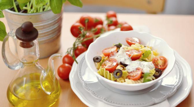 Receta de ensalada de pasta con salsa de yogur del blog Milhojas, el blog de Rosa