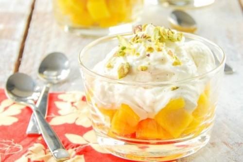 Semifrío de yogur a la vainilla con mango de L'Exquisit