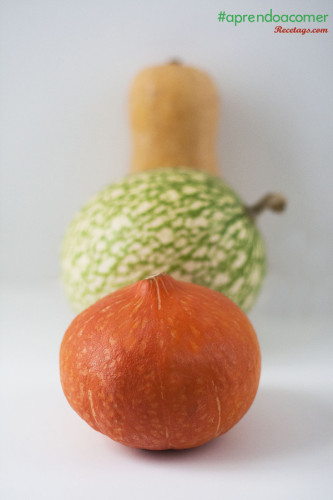 Distintas variedades de calabazas listas para cocinar