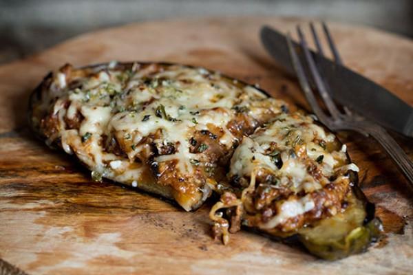 Berenjena rellena de boloñesa de setas del blog Nina´s kitchen