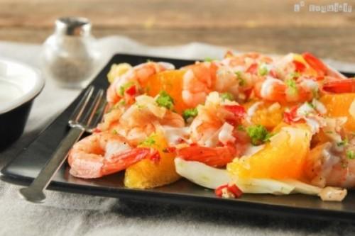 Ensalada de endibias, naranja y gambitas con aliño de yogur del blog L'Exquisit