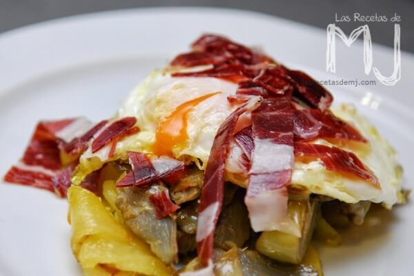 Huevos estrellados con alcachofas del blog Las recetas de MJ