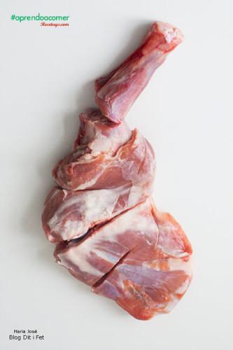 El cordero asado es la forma más tipica de cocinar esta carne
