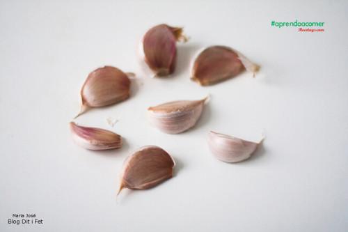 Dientes de ajo listos para cocinar