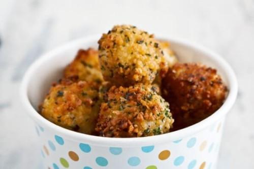 Bolas de Mozzarella o Mozzarella Bites del blog La dolce Gula