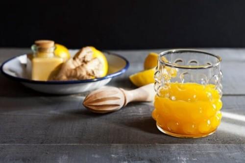 Zumo tropical de cúrcuma y limón del blog Tarjeta de Embaque