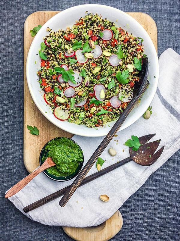 Recetas de Ensalada de Quinoa al Curry con salsa verde